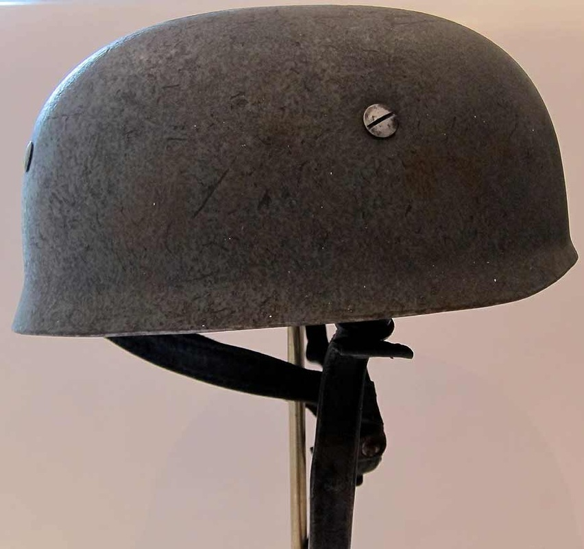 M38 Paratrooper  Helmet right side