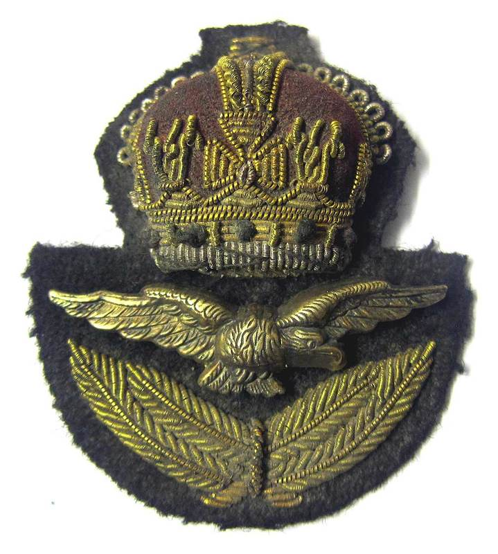 RAF Officers Cap Badge WWII